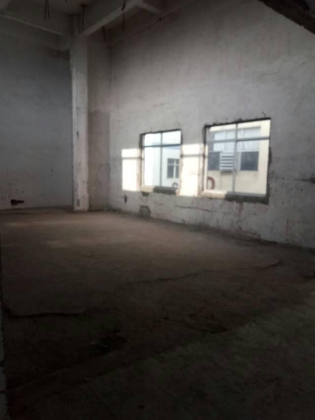 唐尾一带有新出厂房,大小分租即可,厂房面积实在沒任何公滩装修