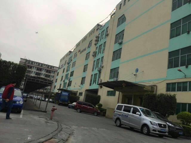 福永和平楼上整层3800平米厂房出租