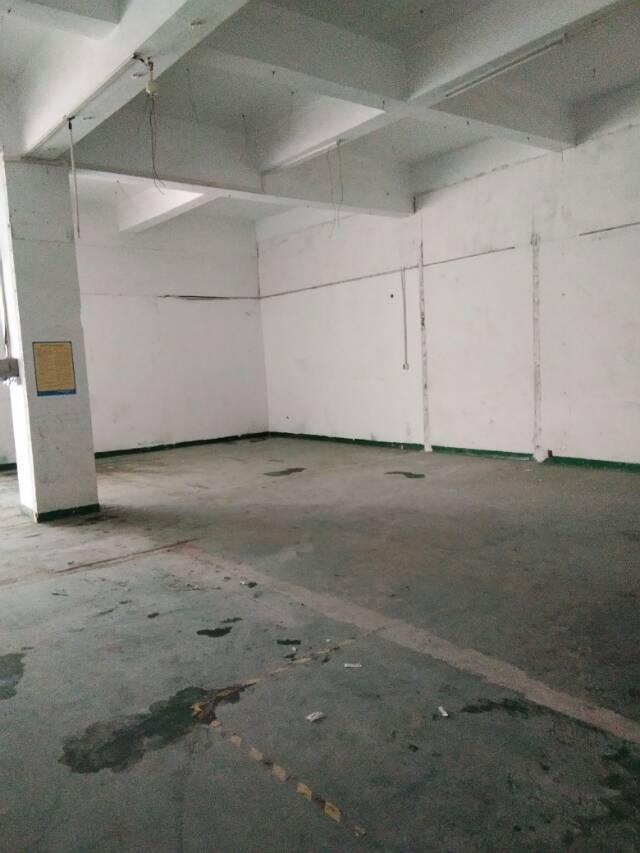 福永福园一路边楼上1200平厂房出租