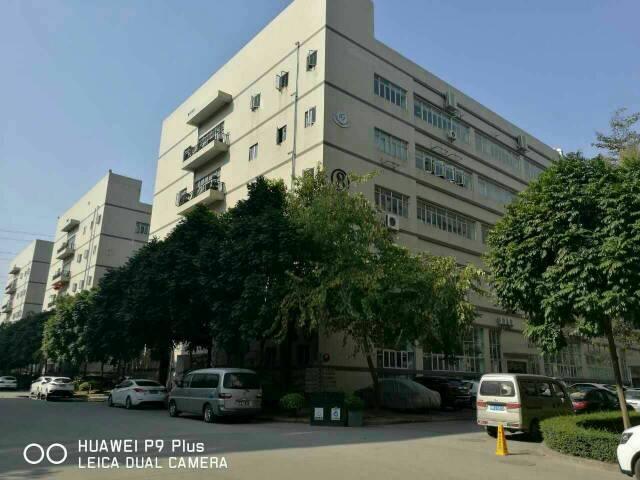 沙井共和新出楼上厂房1700平方