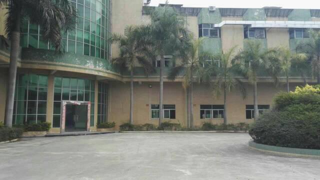 标准厂房两层3200平方招租。