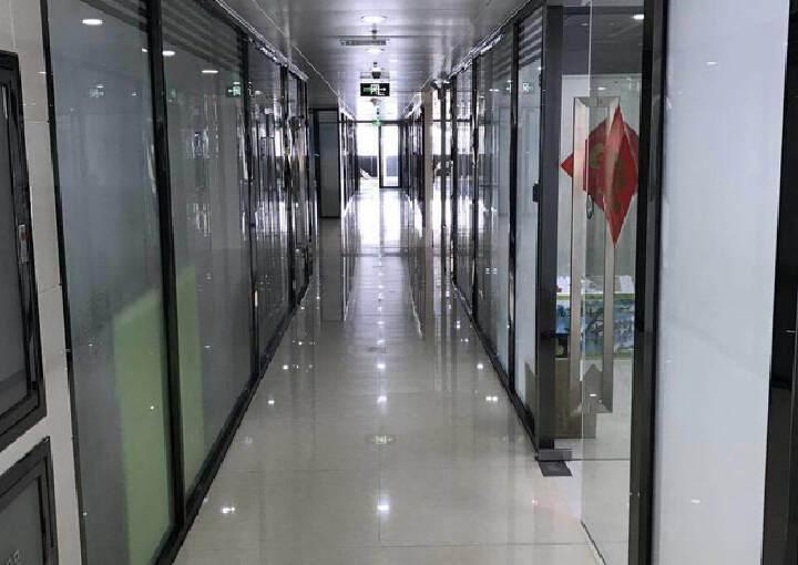 清湖地铁口高端写字楼180平,豪华装修,实用率高,无需转让费图片2