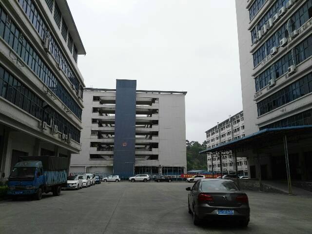 大浪高新产业园1~3楼4800平米原房东厂房龙大高速出口