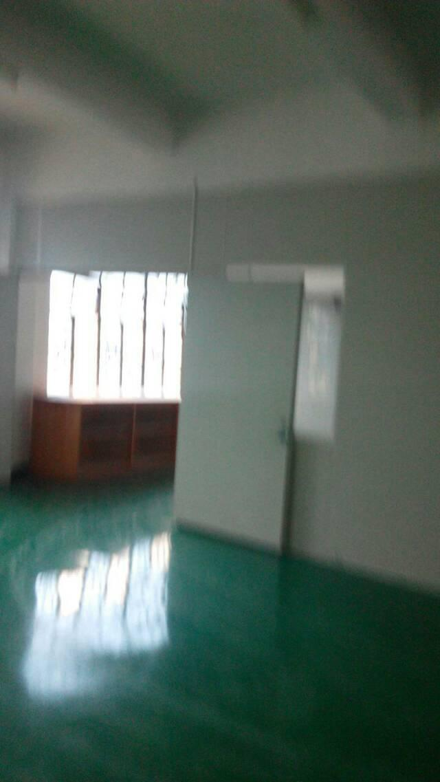 三江工业区新出楼上现成办公室650