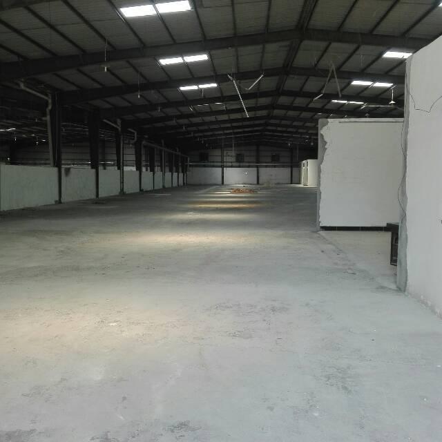 企石镇东山大道附近可做仓库,五金等行业厂房2300平方