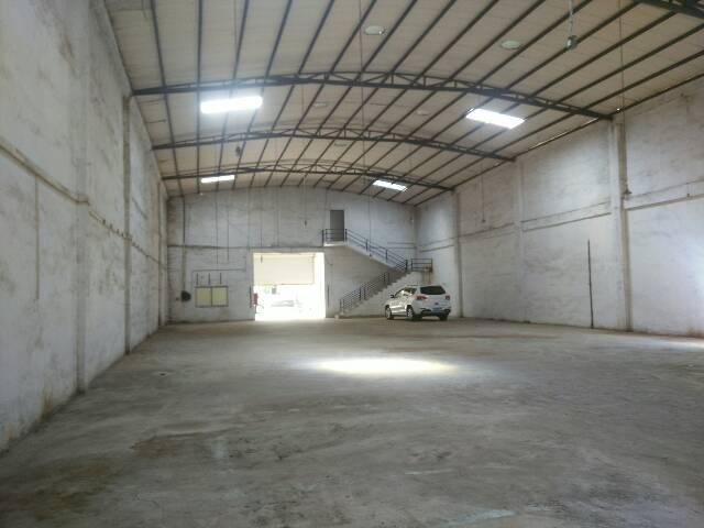 单一层800平方厂房,带现成办公室水电线路