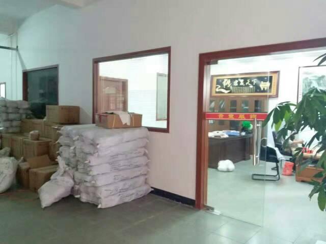 大朗毛织市场附近毛织厂转租1200平米,现成办公室装修