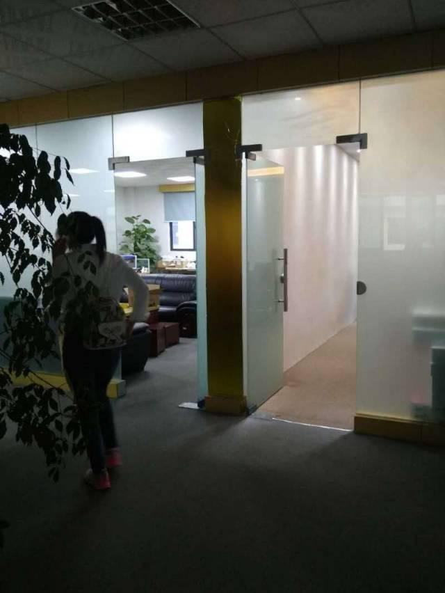 福永新出整层1800豪华装修厂房出租
