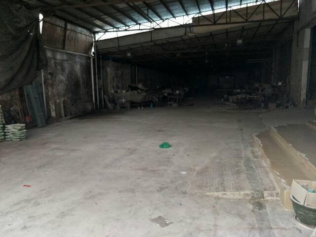 龙东390平方铁皮仓库出租