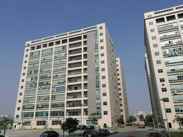 沙井新桥高速口附近 ,大型园区3、4楼5000平,配套完善