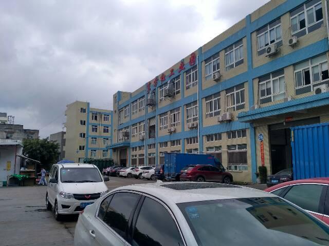平湖新南村一楼1000平米厂房出租