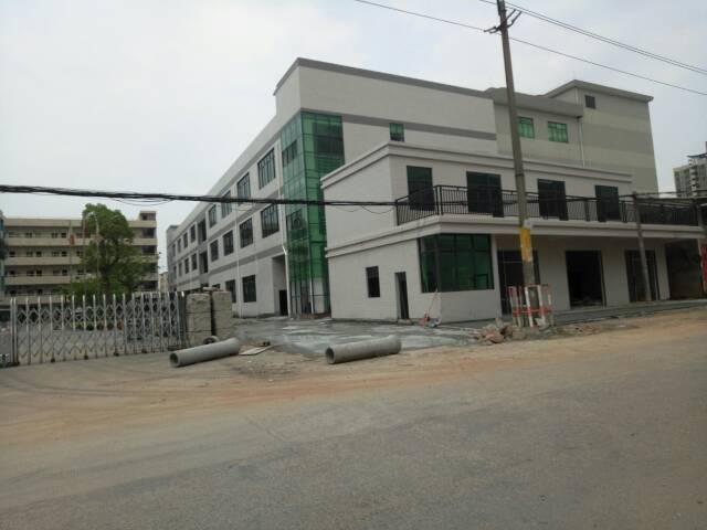 常平镇新出标准厂房1-4层共4800平方,宿舍1200平出租