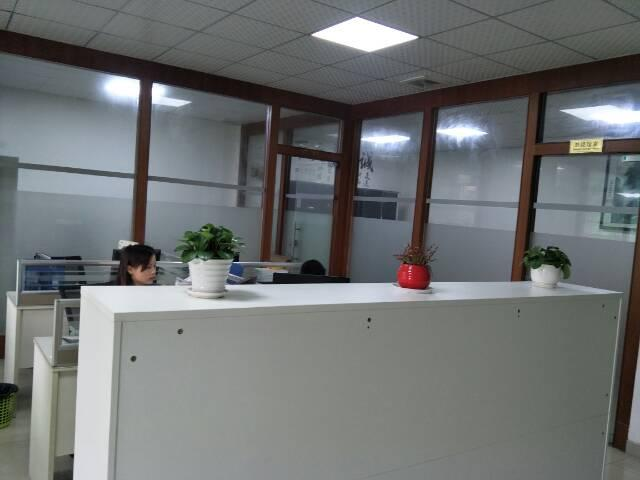 福永宝安大道边楼上带装修厂房1800平米出租