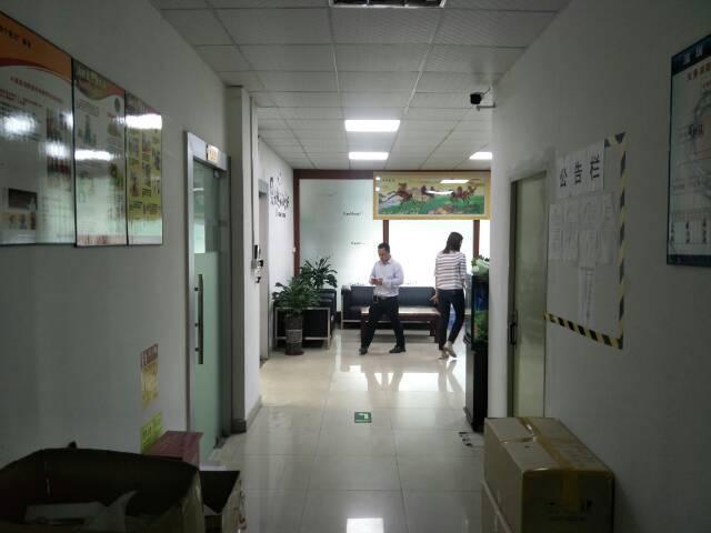 福永宝安大道边楼上带装修厂房1800平米出租-图3