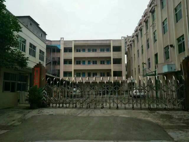 原房东独院厂房出租,公常路边,靠深圳,可做任何行业