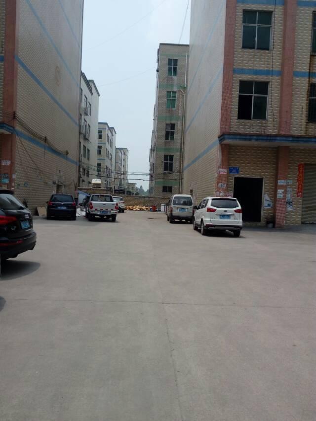 大浪路口附近工业区无公滩750平厂房招租