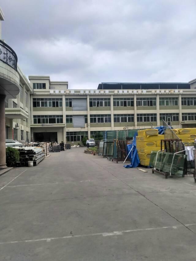东城新出厂房一栋7800 每层2600  空地超大位置绝佳。
