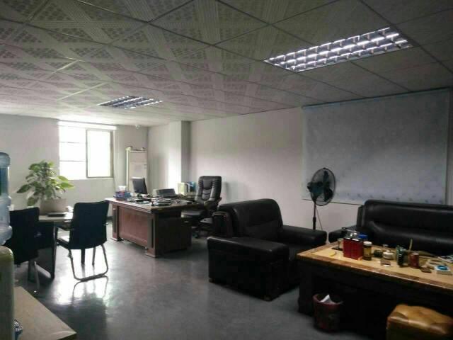 大岭山靠镇中心精装修办公室450平出租