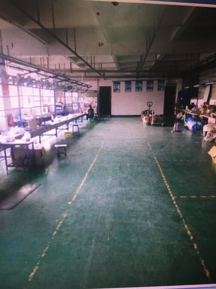 坪山大工业区新出楼上分租600㎡厂房带装修