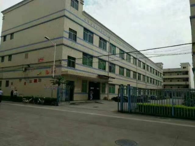 平湖凤门园工业一楼900平米出租