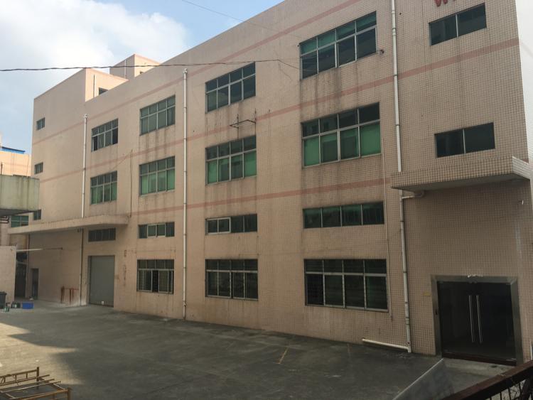 石岩主干道边独门独院1…3层6000平米出租