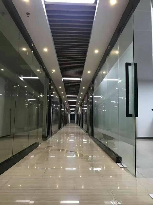 含山县整栋写字楼1万平对外出售,产权清晰,证件齐全