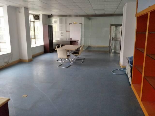 精装修,无转让费,办公室280平,电商园出租