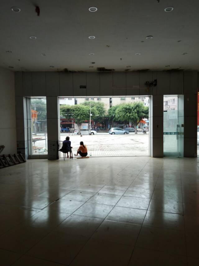 原房东一楼二楼三楼标准厂房招租,最低可分租330㎡