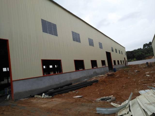 全新钢构5500平方出租 带牛角