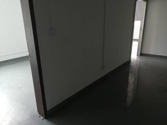 龙胜地铁口500平方厂房带装修