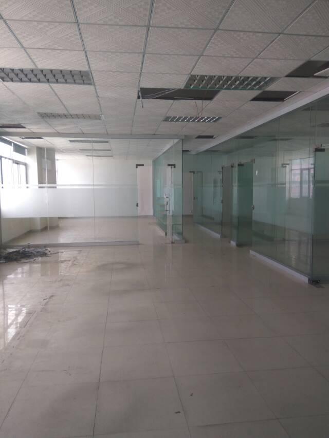 龙胜地铁口楼上整层带装修1200㎡厂房招租-图2