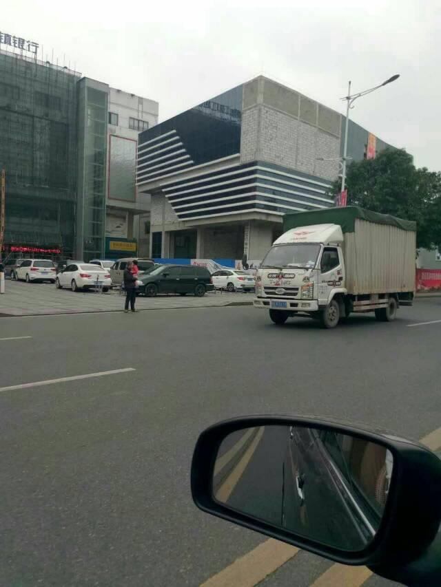 黄江镇中心全新商业楼1200平米招租