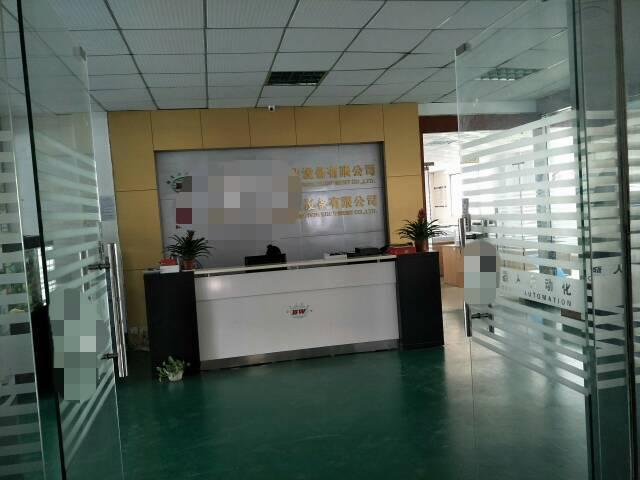 岗头工业区北方路边新出楼上1000平米精装修办公室车间。