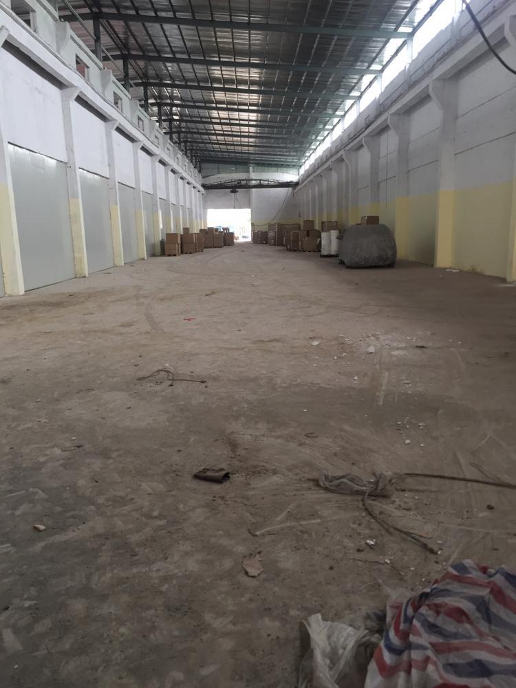 万江新出1000平米带行车厂房,现成水电线路,原房东出租