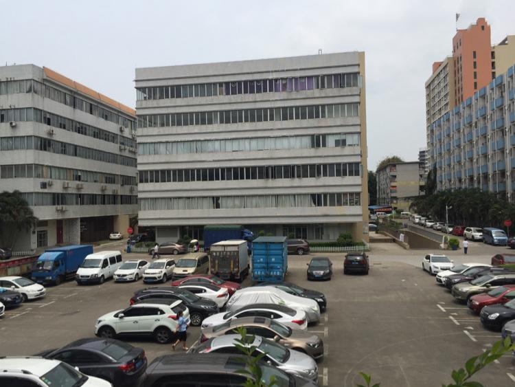 坂田五和地铁站或龙壁工业区带装修800平方可分租