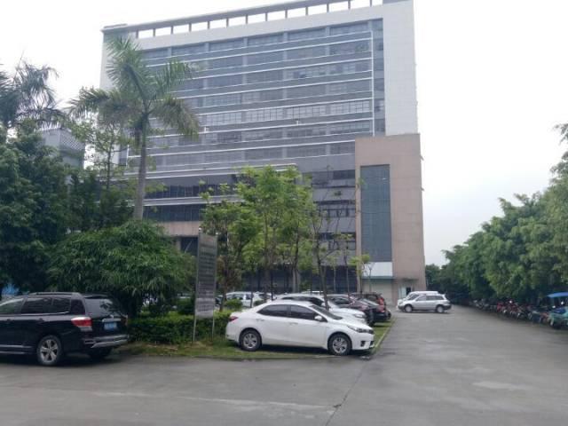 光明高新区1-3层13600平方红本厂房出租