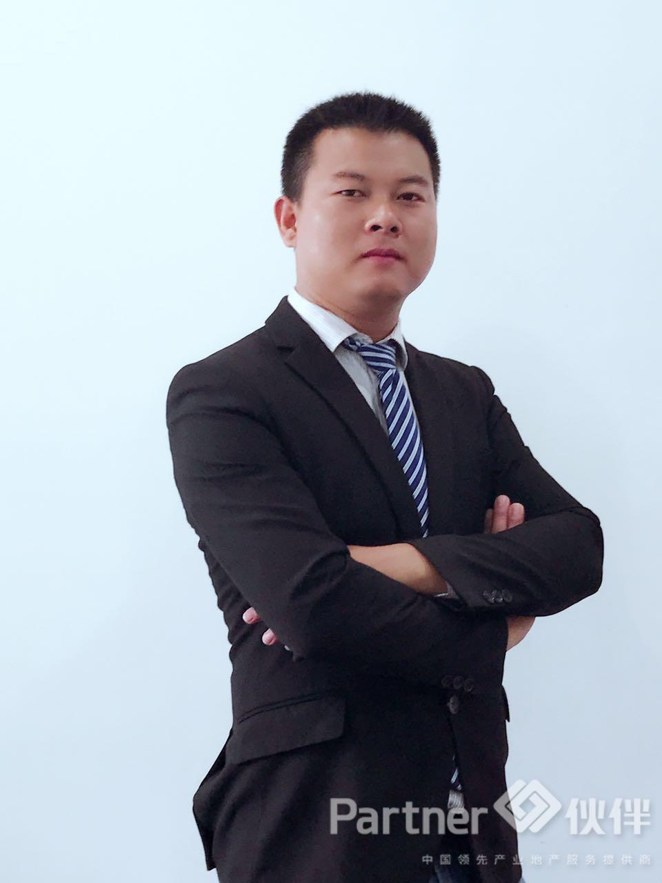 厂房经纪人江维国