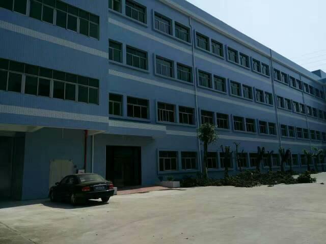 西乡固戍地铁站附近新出厂房1300平方大小可分租