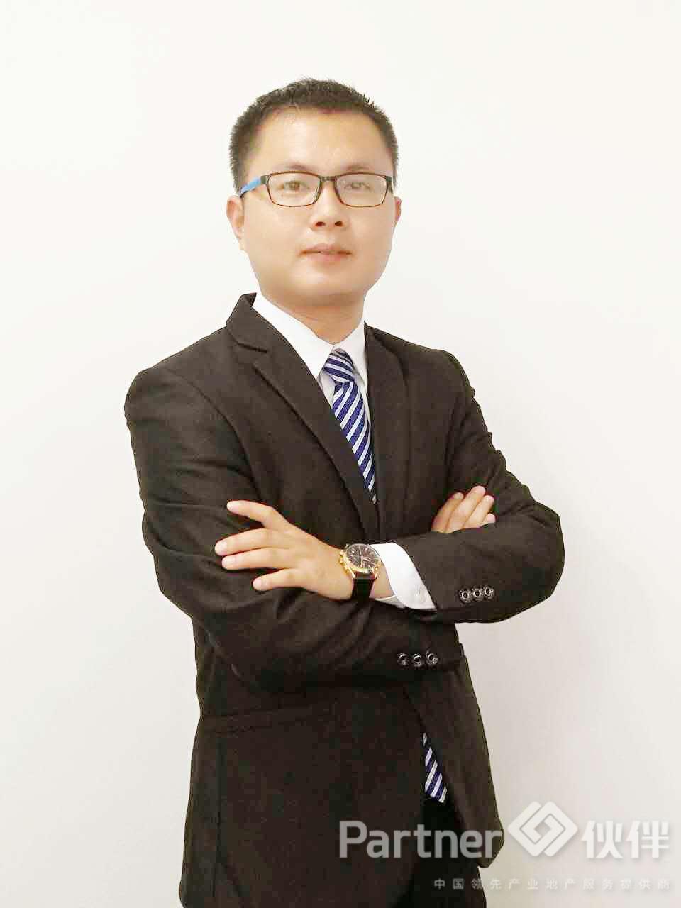 厂房经纪人杨红成
