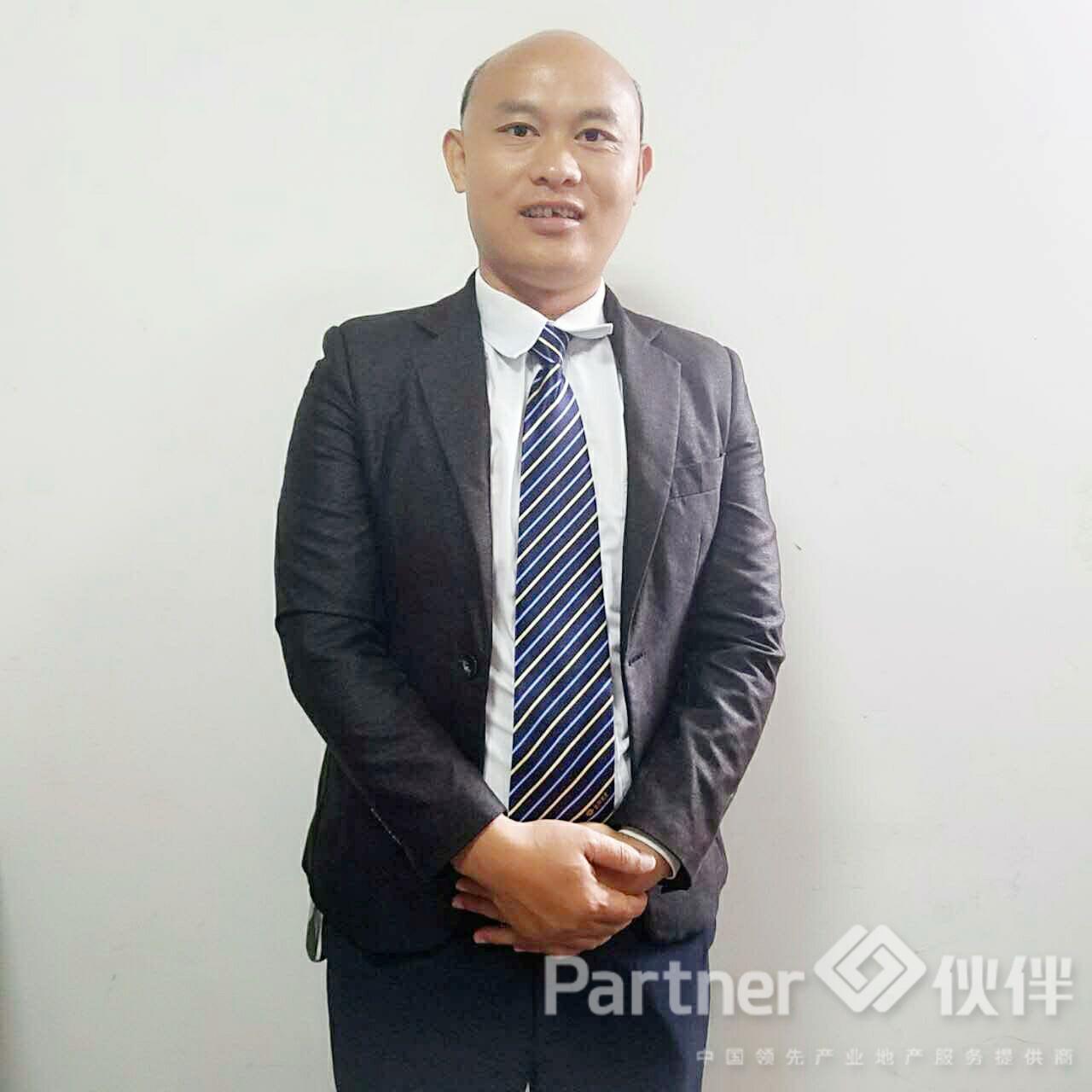 厂房经纪人喻修峰