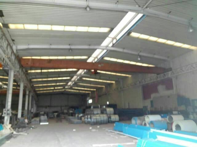 原房东钢结构厂房出租。