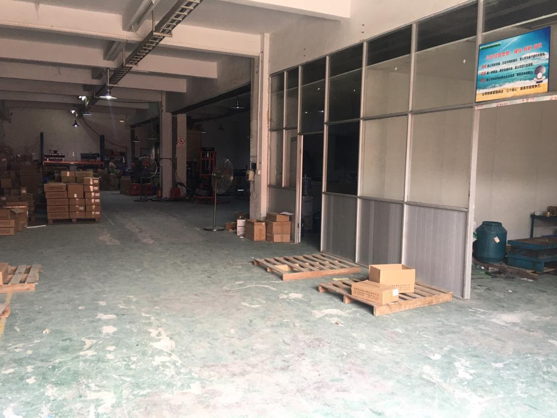 黄江镇田心星光大冚靠近深圳方向新出标准厂房一楼
