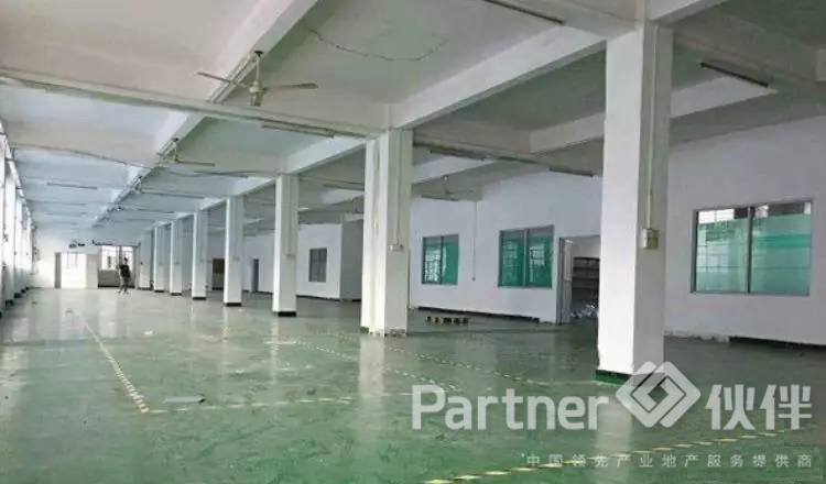 (出租)黄江新厂房出楼上680平米精装修