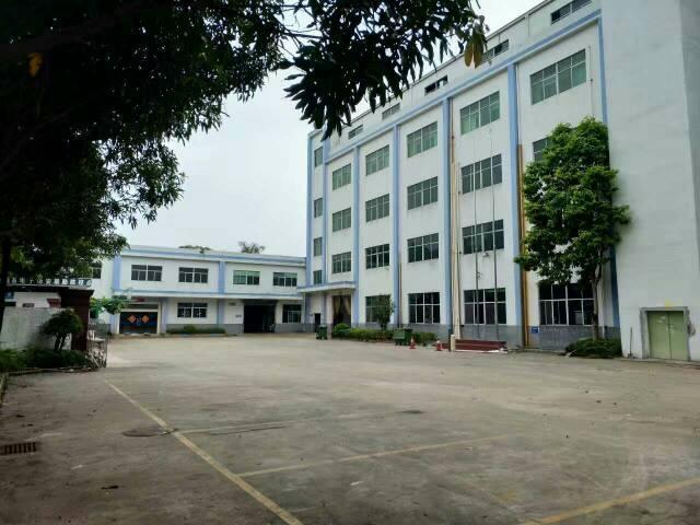 龙岗平湖新厦工业城一楼1100平方米厂房租