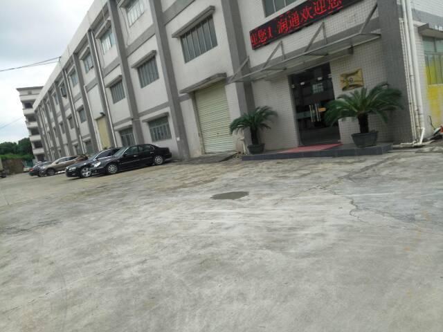 常平镇新出标准厂房8米高带牛角带行车1200平方出租