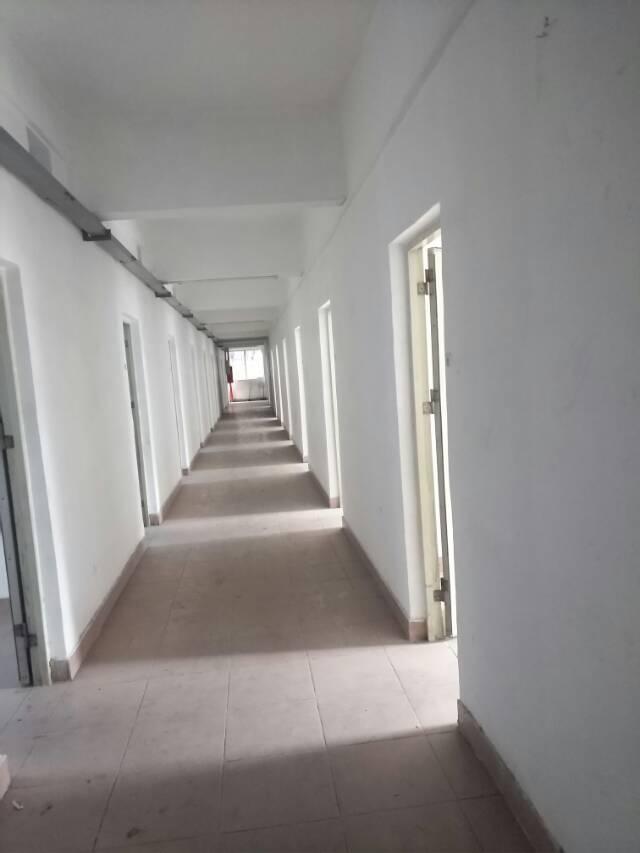 横岗新出厂房单层面积1000平,原房东无公摊,带装修,人气旺