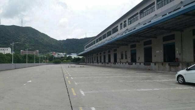 盐田40000平仓库一二楼都有卸货平台