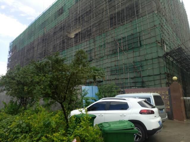 常平有一个原房东厂房5层12000平方出租。