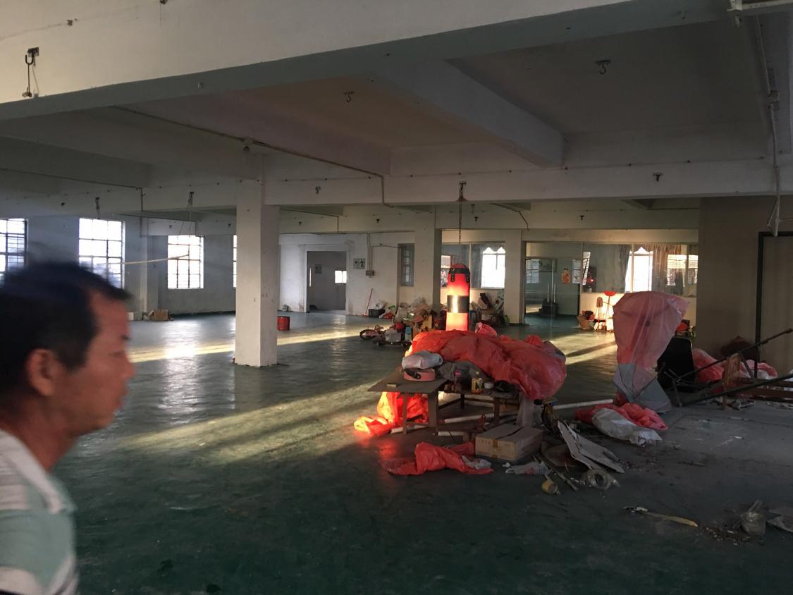 黄江镇星光村靠近深圳公明楼上带绿地漆厂房
