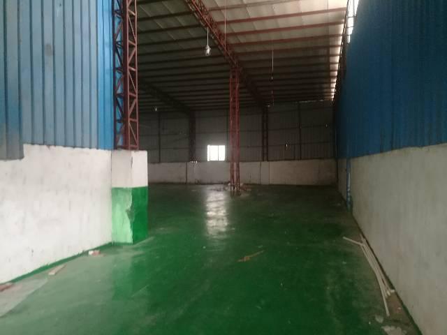 黄江镇新出全新单一层钢钩厂房1900平方办公楼500平方、